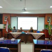 Dekan FIAI, Dr. Tamyiz Mukharrom, MA memberikan sambutannya (Rizal/miz)