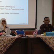 Dr. Junanah, MIS dalam sambutannya di Kegiatan Public Hearing PSPAI (Mufti)