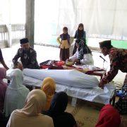 Praktik perawatan jenazah oleh Yayasan Bunga Selasih Yogyakarta